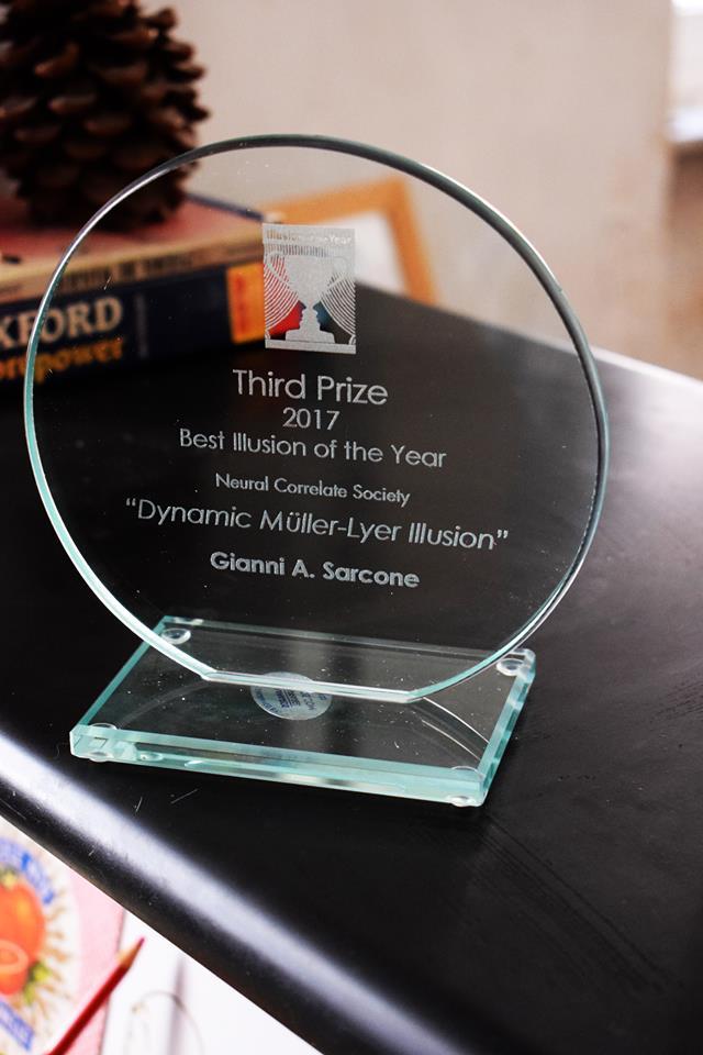 Prize illusion sarcone